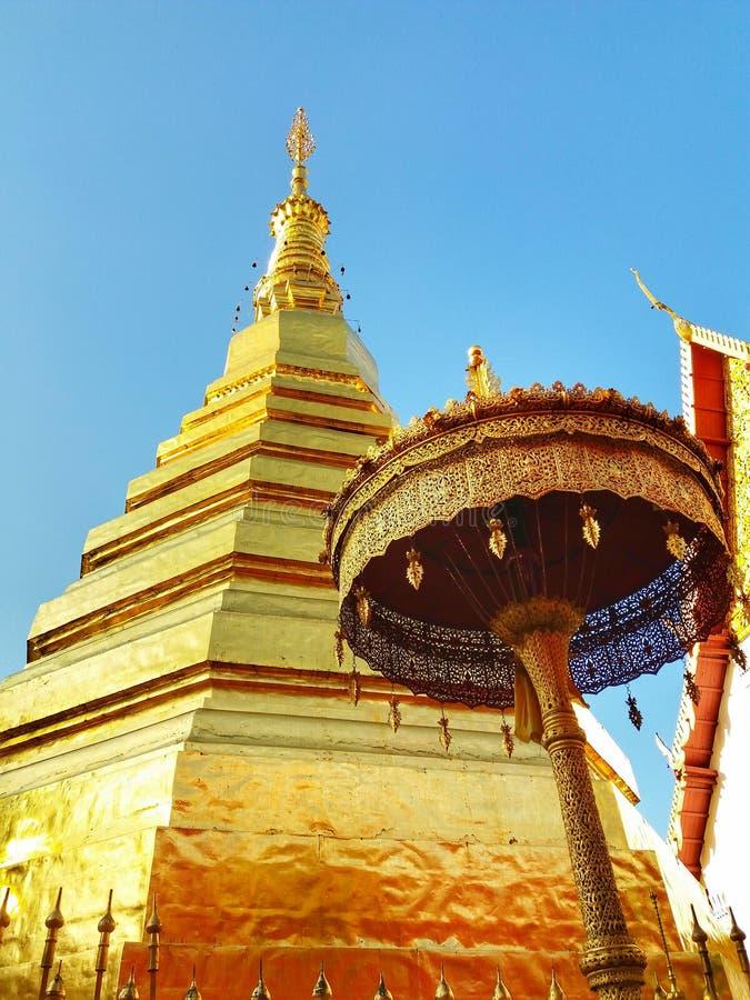O templo em Tailândia foto de stock