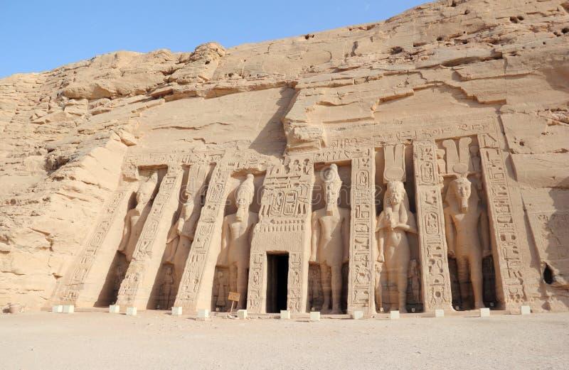 O templo pequeno de Nefertari Abu Simbel, Egipto fotografia de stock
