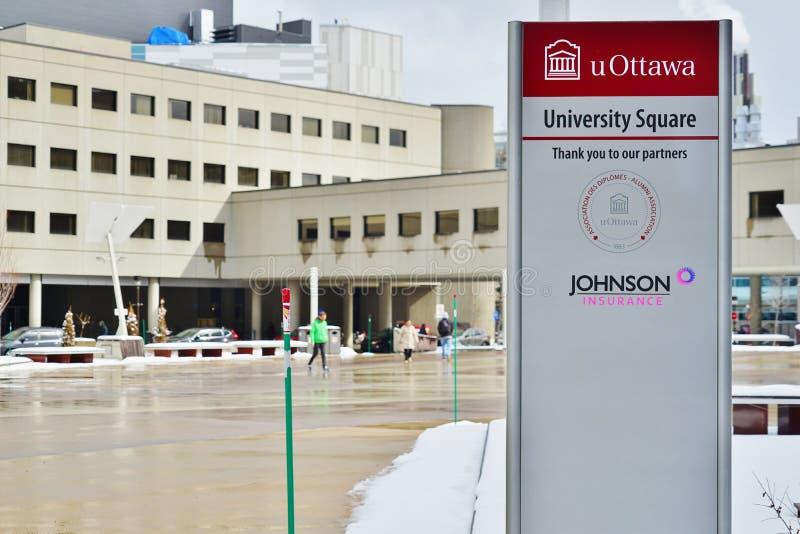 O terreno da universidade de Ottawa, Canadá fotografia de stock royalty free