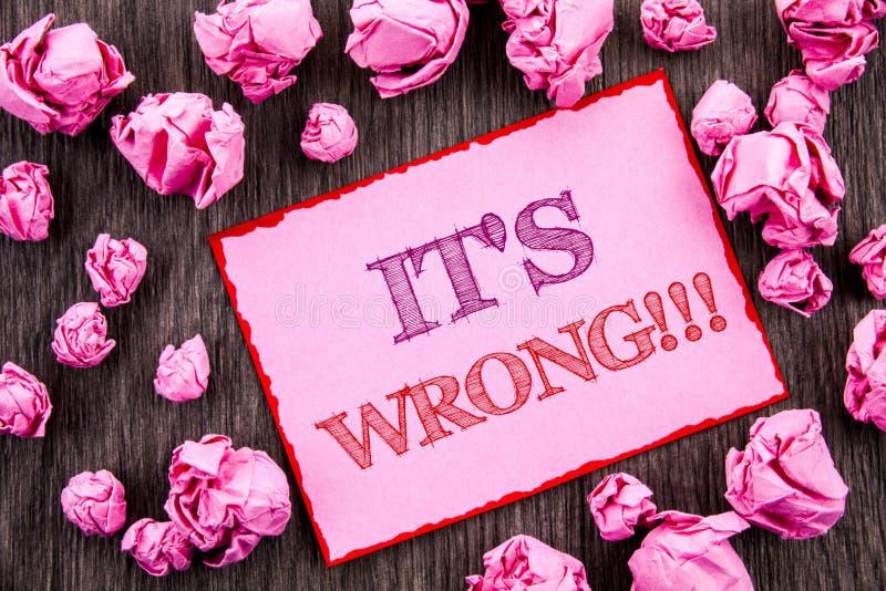 O texto da escrita que mostra o é errado Foto do negócio que apresenta a decisão direita correta para fazer ou confundir o consel ilustração stock