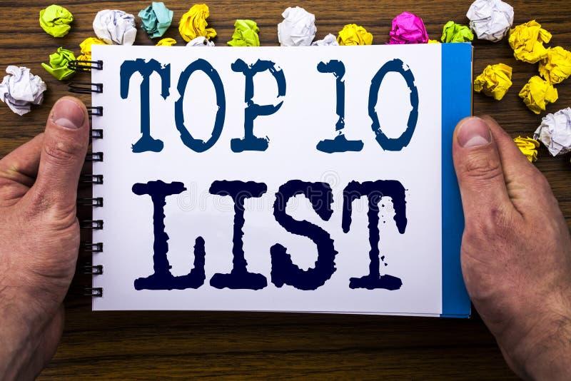 O texto da escrita que mostra a parte superior 10 dez alista o conceito do negócio para a lista do sucesso dez redigida no livro  fotos de stock royalty free