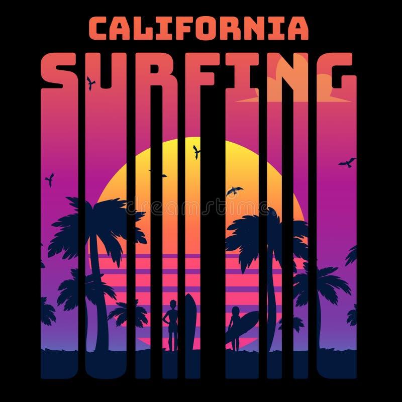 O texto tropical Califórnia do verão que surfa com inclinação e palmas do por do sol e os surfistas mostram em silhueta ilustração stock
