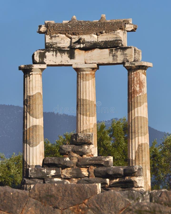 O Tholos no santuário de Athena Pronaia fotos de stock