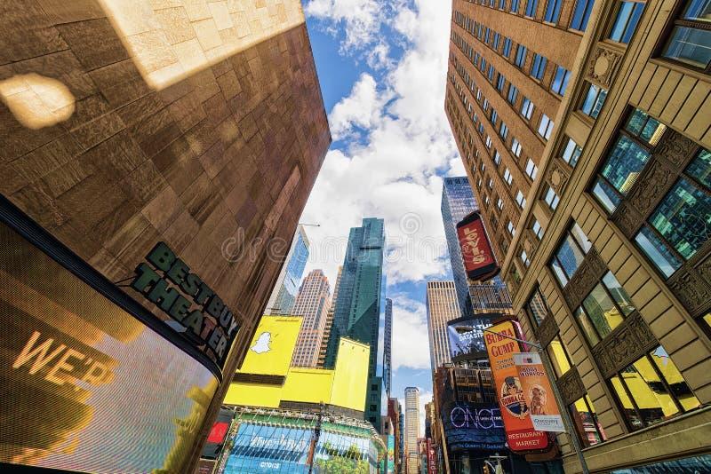 7o Times Square NYC E.U. de Broadway da avenida foto de stock royalty free