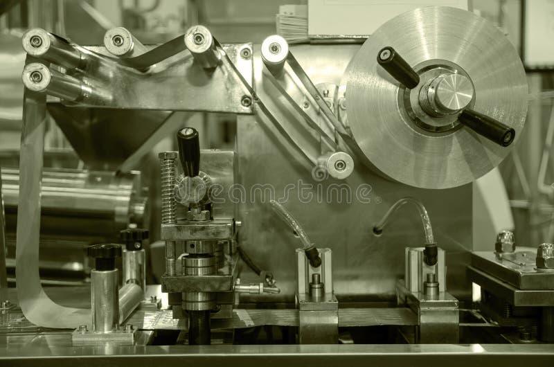 O titânio alinha a engenharia do equipamento da máquina fotos de stock