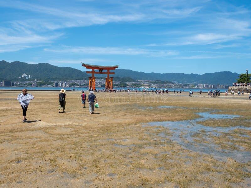 O-Torii grote poort van het Itsukushima-Heiligdom, Japan royalty-vrije stock afbeeldingen
