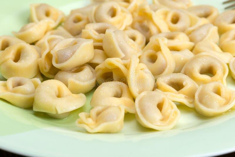 O Tortellini é massa circular ou imagens de stock royalty free