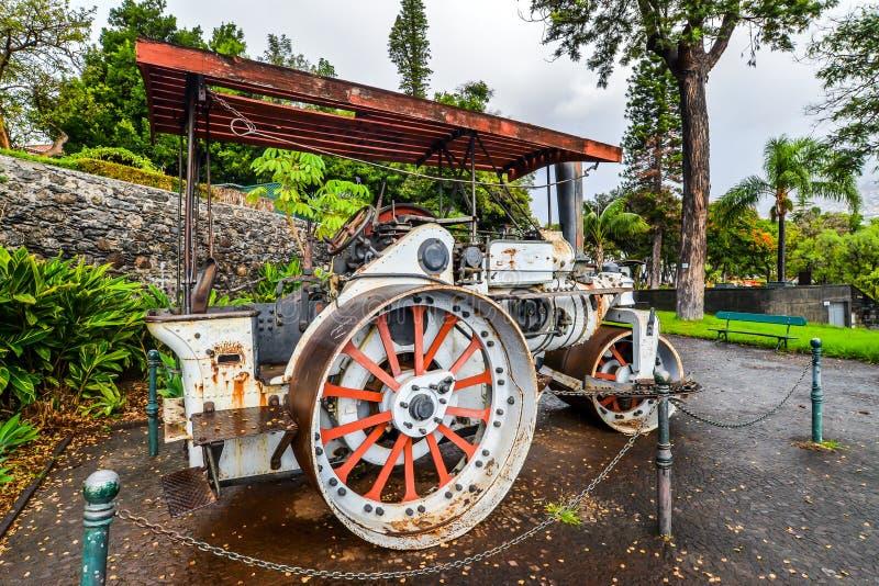 O trator antigo - Funchal imagem de stock