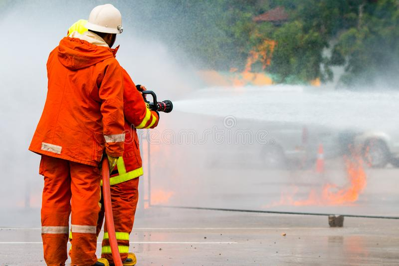 O treinamento do sapador-bombeiro fotos de stock