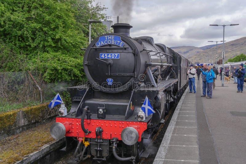 O trem do vapor de Jacobite foto de stock