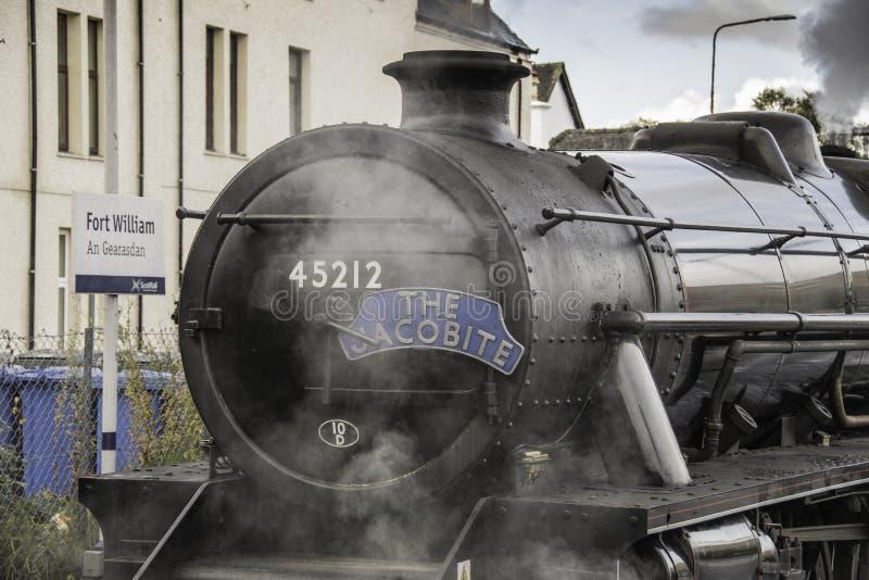 O trem Fort William do vapor de Jacobite imagens de stock