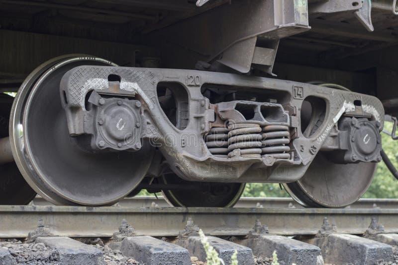 o trem roda o aço locomotivo fotos de stock