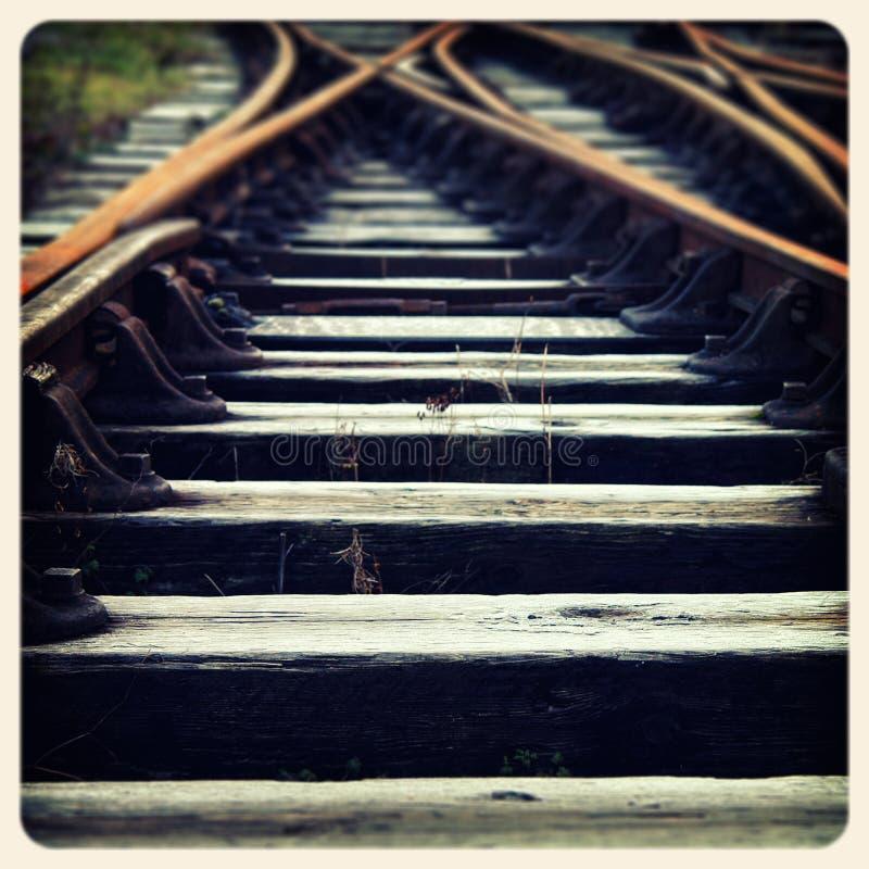 O trem segue a foto velha fotos de stock