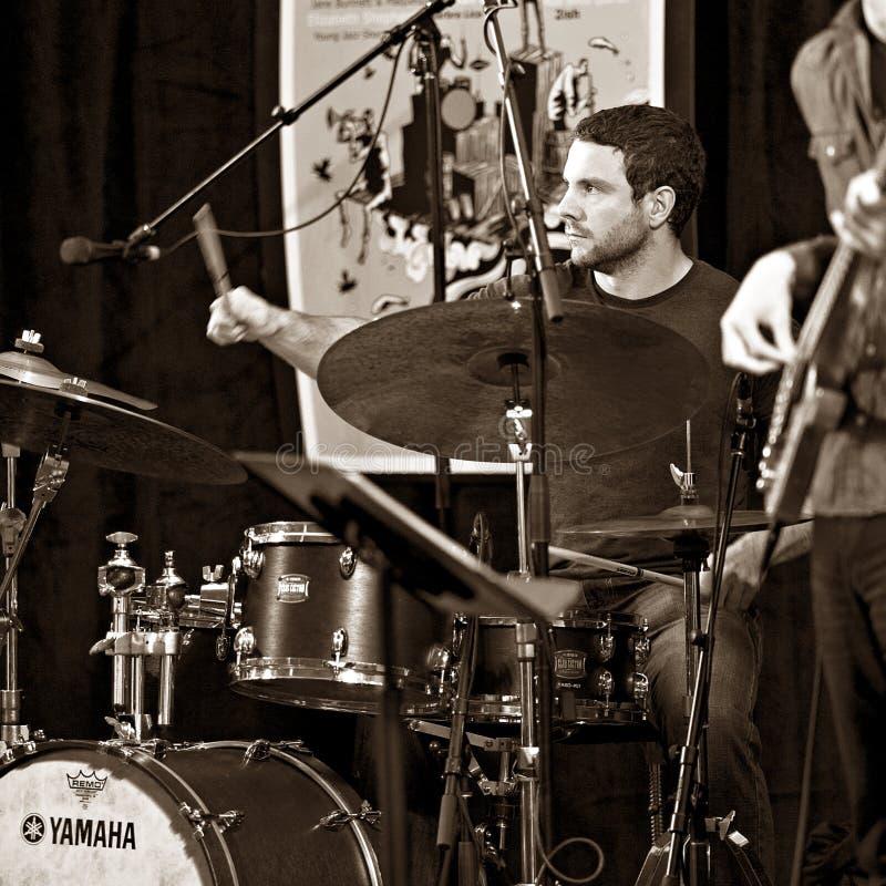 O trio de Brownman Electryc joga toda a Jazz Festival canadense na esperança do porto, SOBRE - 13 de setembro de 2015 imagem de stock royalty free