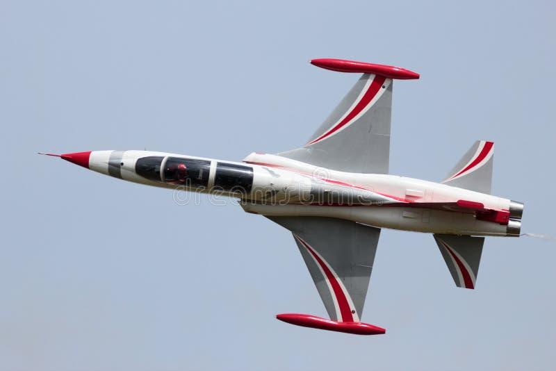 O turco Stars o jato F-5 imagem de stock royalty free