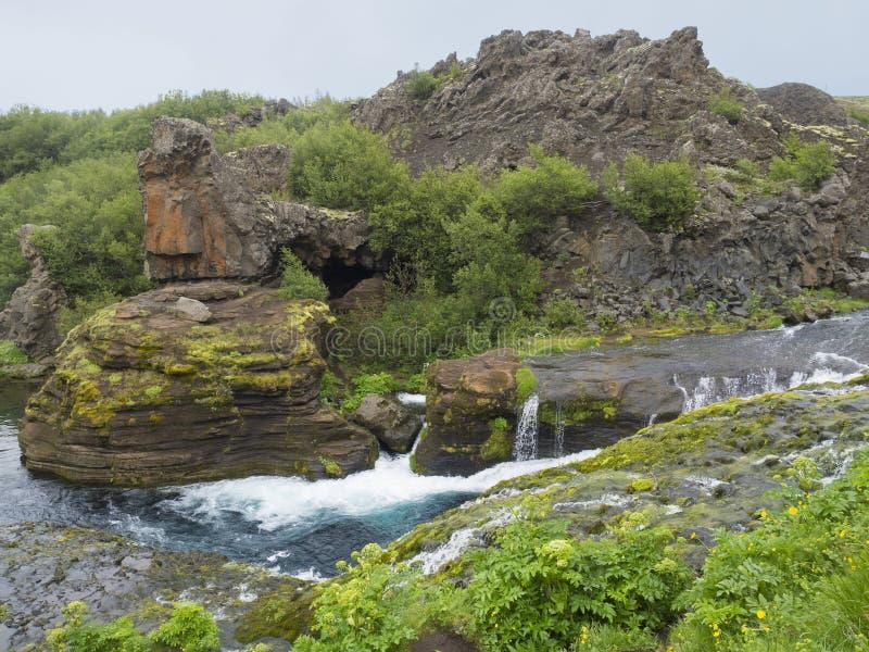O vale bonito Gjain com lava colorida balança, vegetatio verde imagem de stock