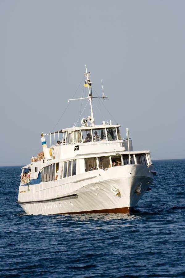 O vapor-navio branco fotos de stock