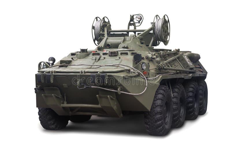 O veículo blindado BREM-K da evacuação do reparo está no serviço com o exército do russo Isolado no fundo branco fotos de stock