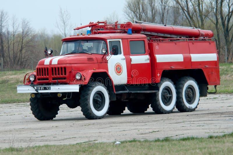 O veículo de socorro do fogo do aeródromo imagem de stock royalty free