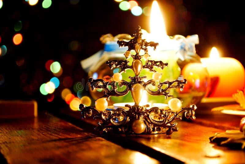 O vermelho Candles a flama do Xmas fotos de stock royalty free