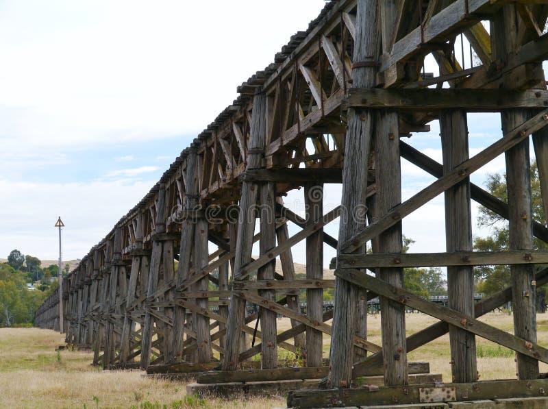 O viaduto de madeira do trilho em Gundagai fotografia de stock royalty free