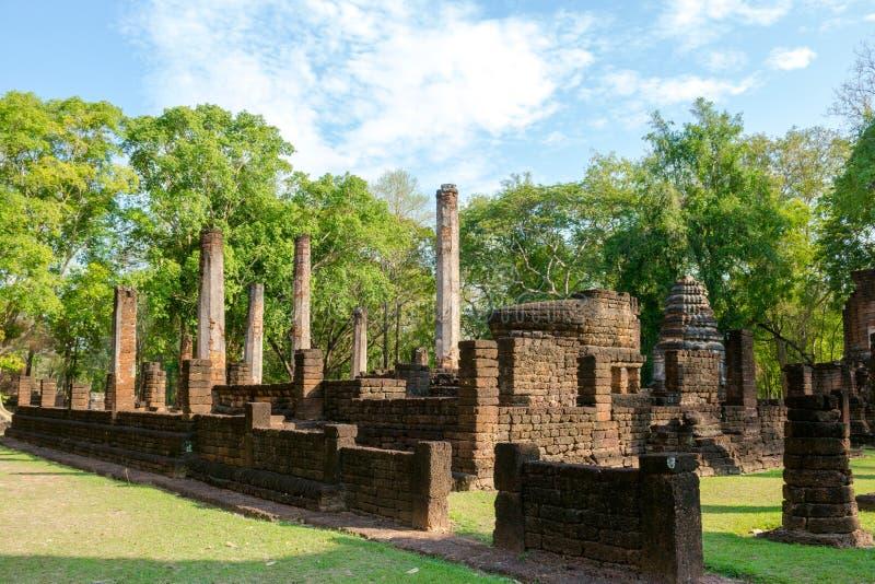 O vihara arruinado em Sukhothai, Tailândia fotos de stock
