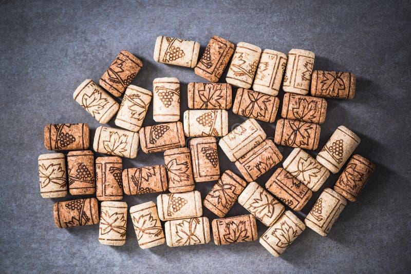 O vinho arrolha despesas gerais do fundo foto de stock