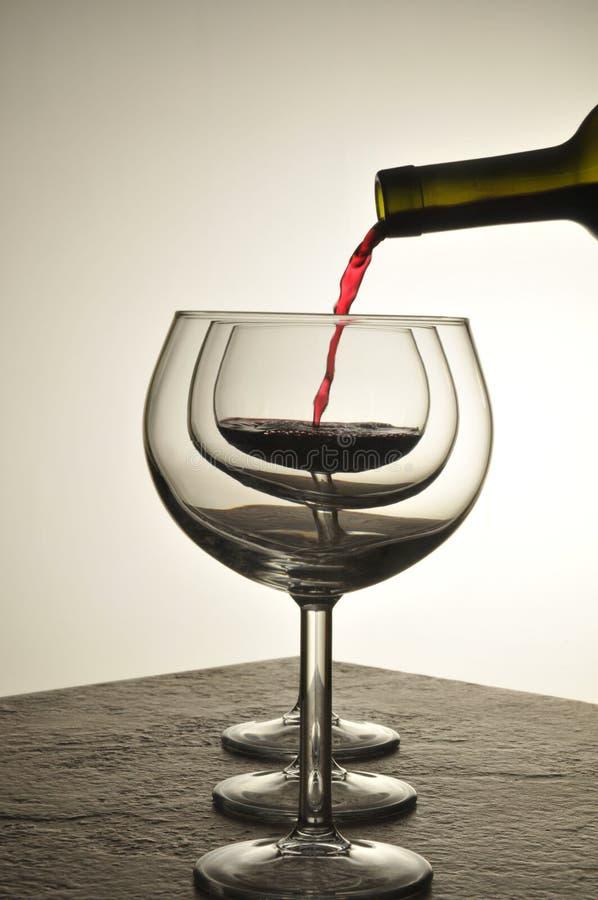 O vinho derrama fotos de stock