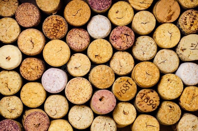 O vinho tapa o fundo imagens de stock