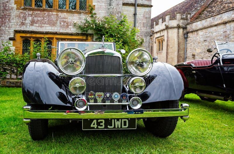 O vintage luxuoso preto Alvis ostenta a cabeça automobilístico sobre foto de stock royalty free