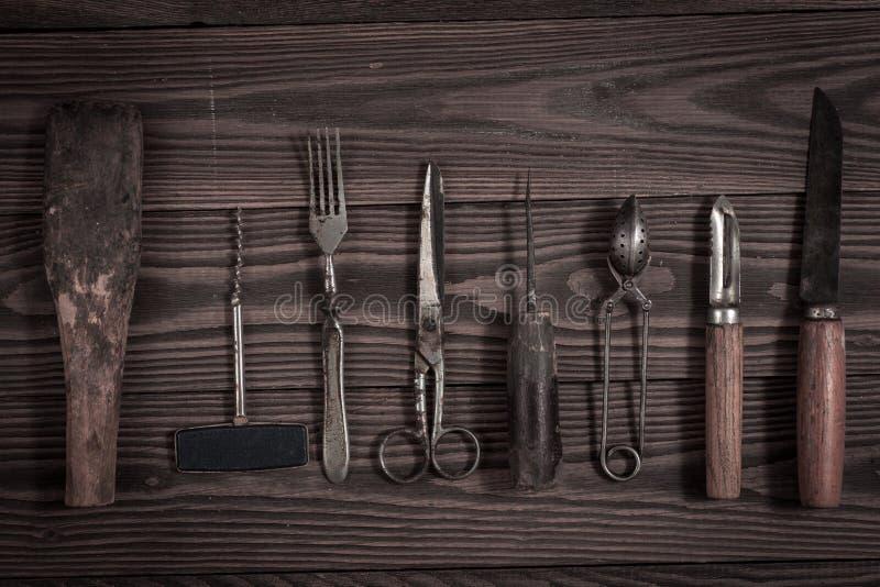 O vintage objeta no conceito de madeira do vintage do fundo e rústico imagens de stock royalty free