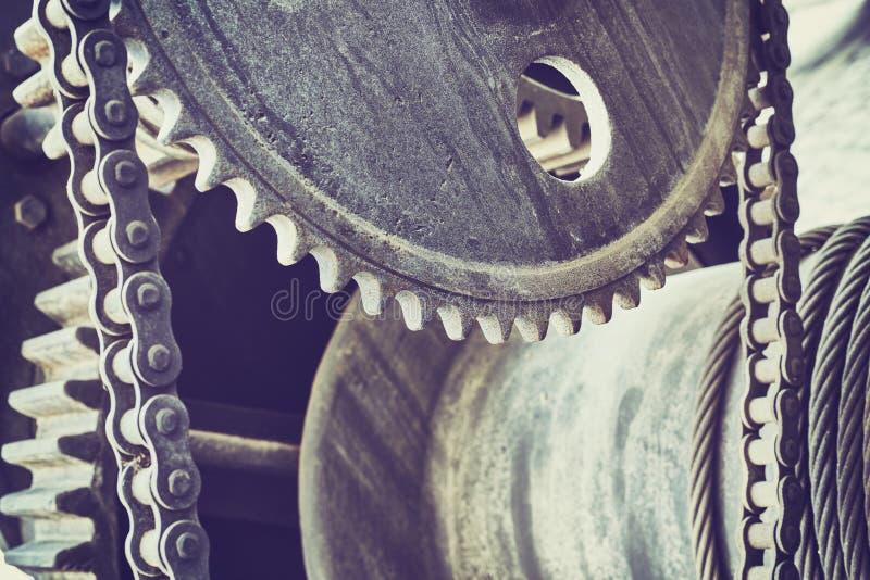 O vintage tonificou as rodas de engrenagem velhas, fundo industrial fotos de stock royalty free