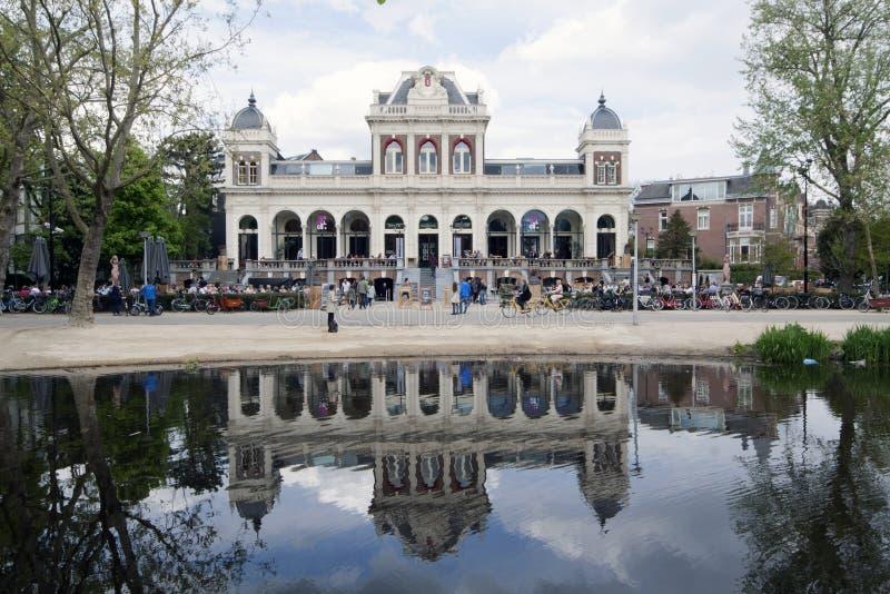O Vondelparkpaviljoen é uma construção no Vondelpark em Amste imagens de stock royalty free