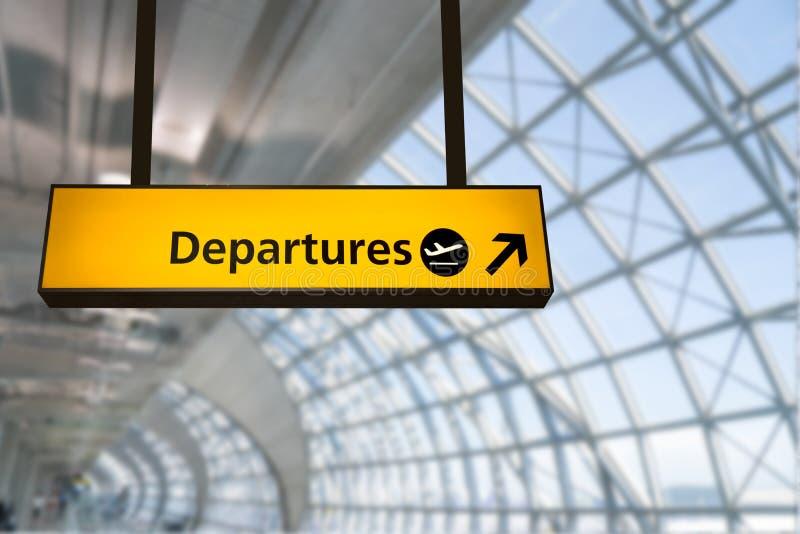 O voo, a chegada e a partida embarcam no aeroporto, fotografia de stock royalty free