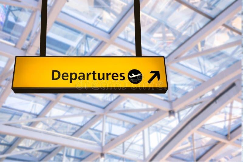 O voo, a chegada e a partida embarcam no aeroporto, fotografia de stock