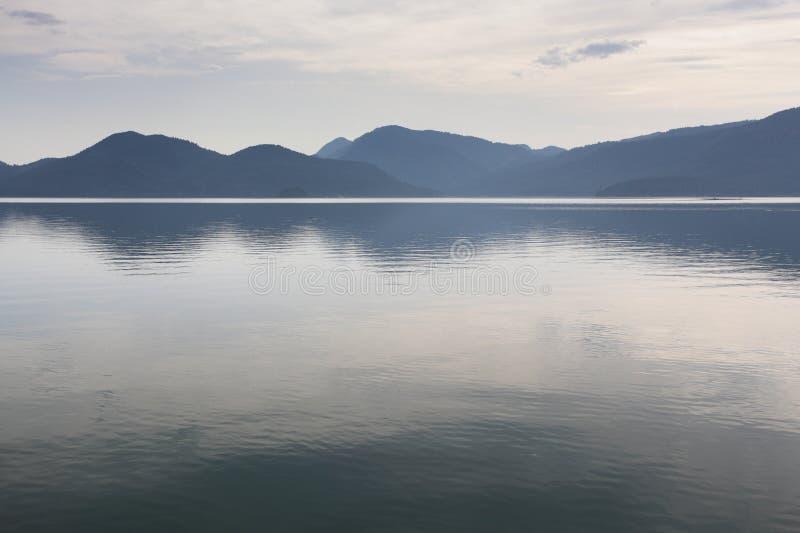 O Walchensee ou o lago Walchen fotos de stock royalty free