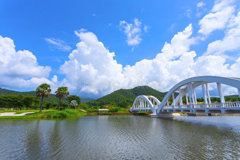 O White River, um cruzamento do rio, foi construído durante a segunda guerra mundial As tropas japonesas foram situadas em Lamph fotografia de stock royalty free