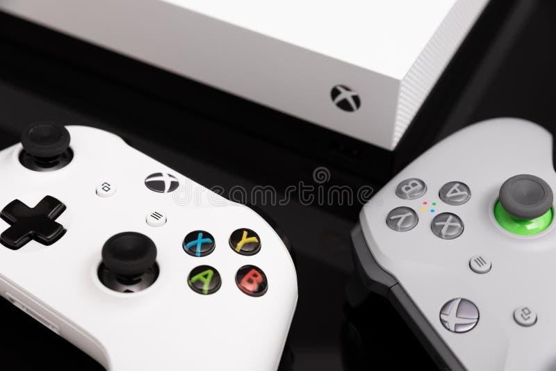 O Xbox One X é o console o mais poderoso da geração imagens de stock royalty free