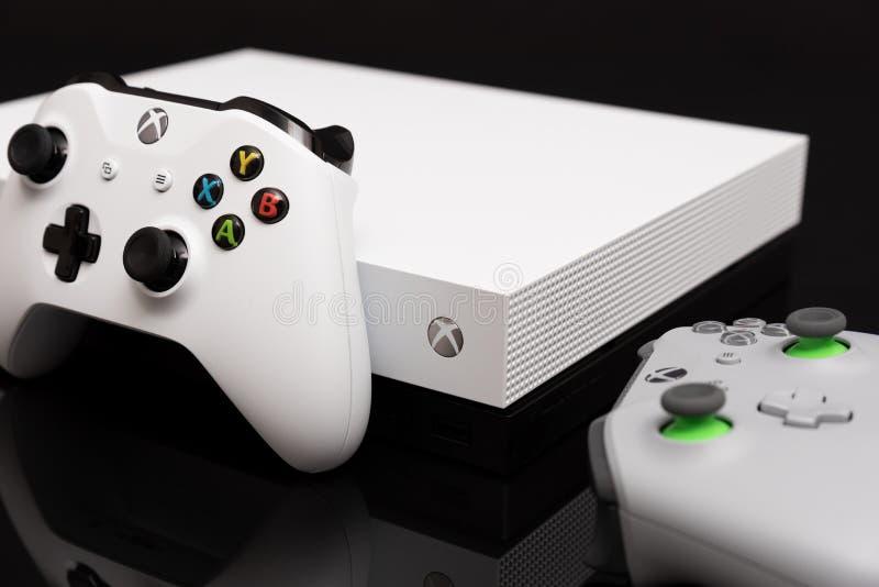 O Xbox One X é o console o mais poderoso da geração imagem de stock royalty free