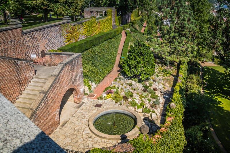 O zahrada do ¡ de Hartigovskà do jardim de Hartigs na área do castelo de Praga no verão fotos de stock