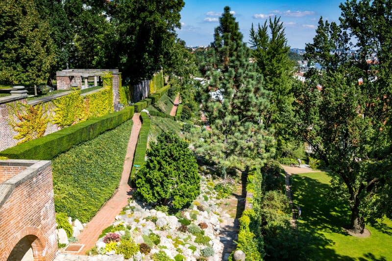 O zahrada do ¡ de Hartigovskà do jardim de Hartigs na área do castelo de Praga no verão fotografia de stock royalty free