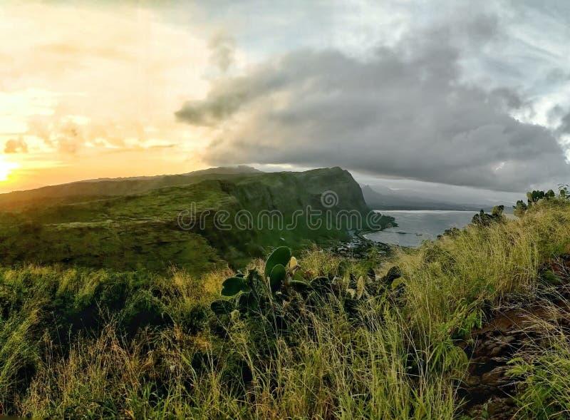 Oahu solnedgång arkivbild