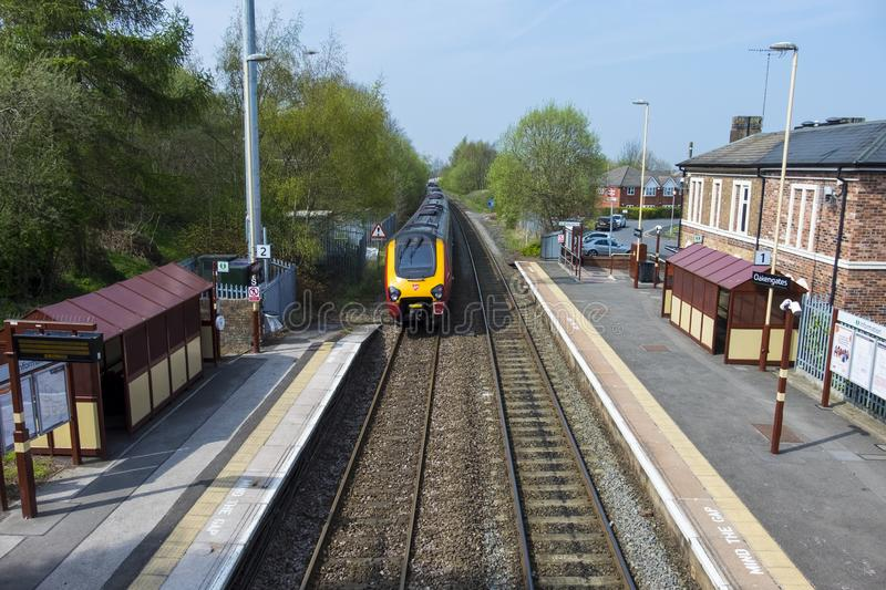 Oakengates, Shropshire/Angleterre - 17 avril 2019--Train de Vierge photos libres de droits