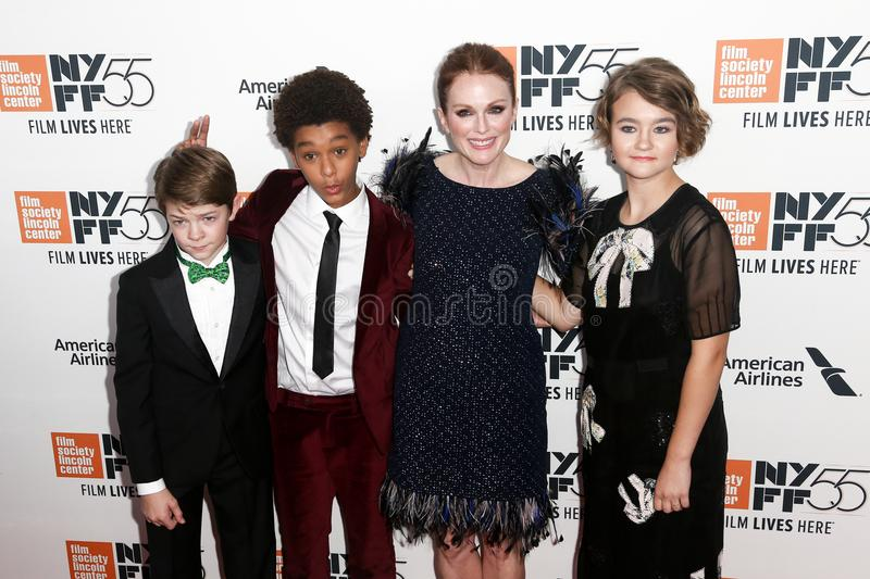Oakes Fegley, Jaden Michael, Julianne Moore, Millicent Simmonds fotos de archivo