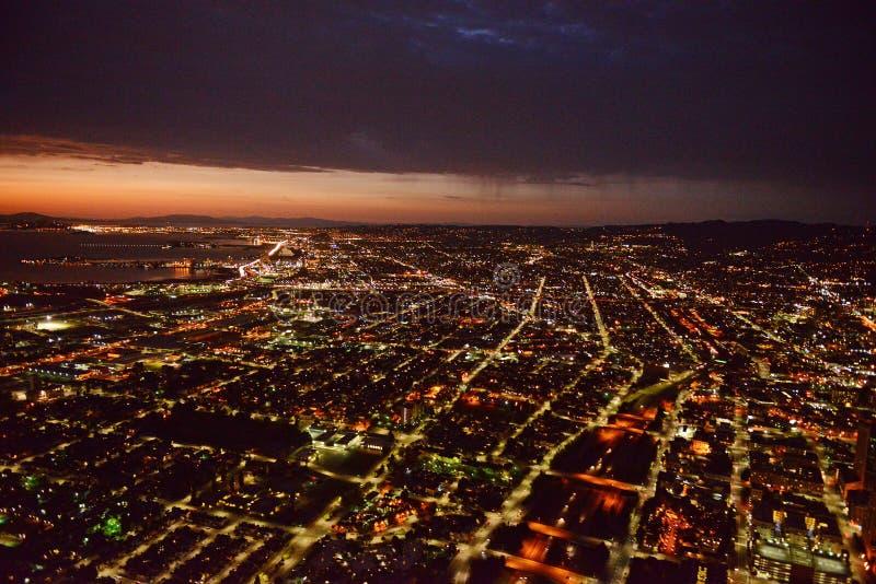 Oakland la nuit photographie stock libre de droits