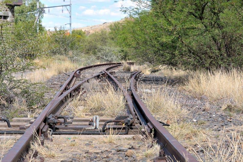 Oanvänd järnvägströmbrytare arkivfoton