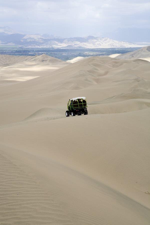 Oasis de Huacancina au Pérou photos stock