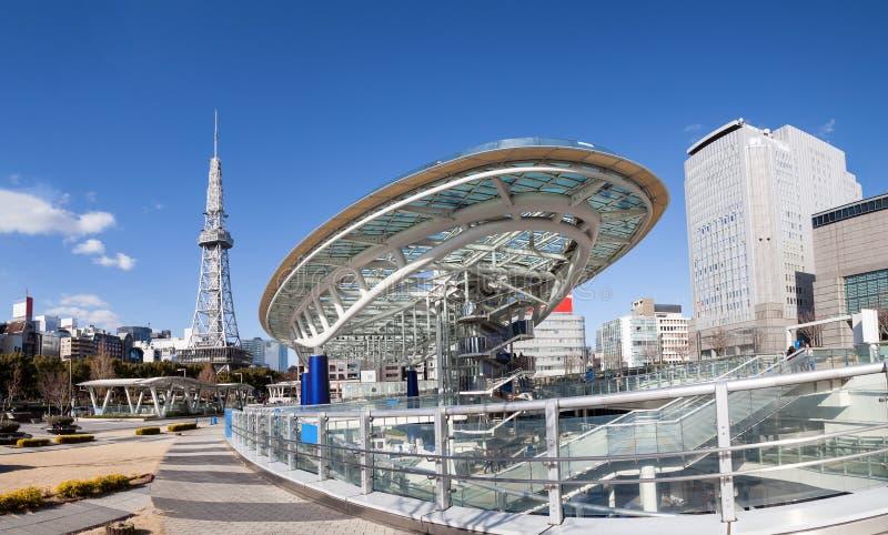 Oasis 21 horizon de ville à Nagoya, Japon avec la tour de Nagoya photo libre de droits