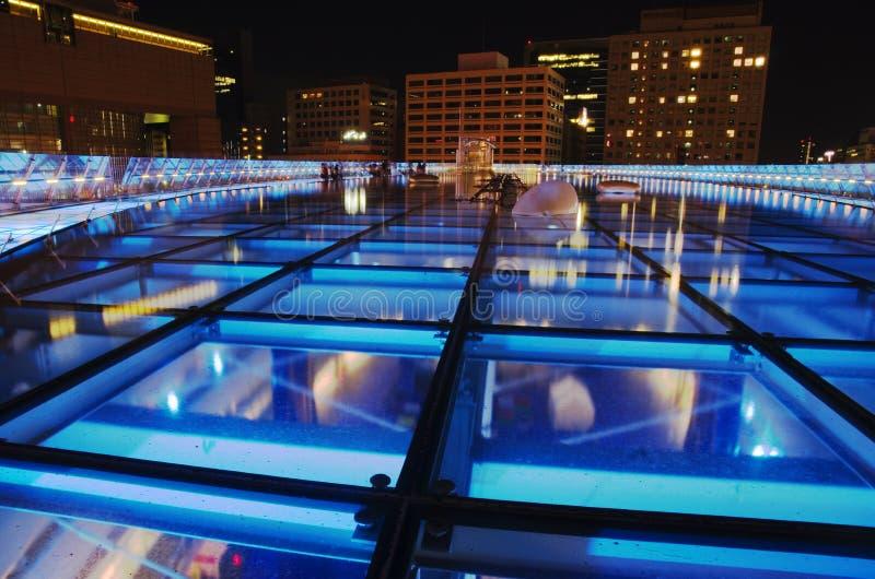 Oasis 21 que construye en la noche, Nagoya, Japón foto de archivo