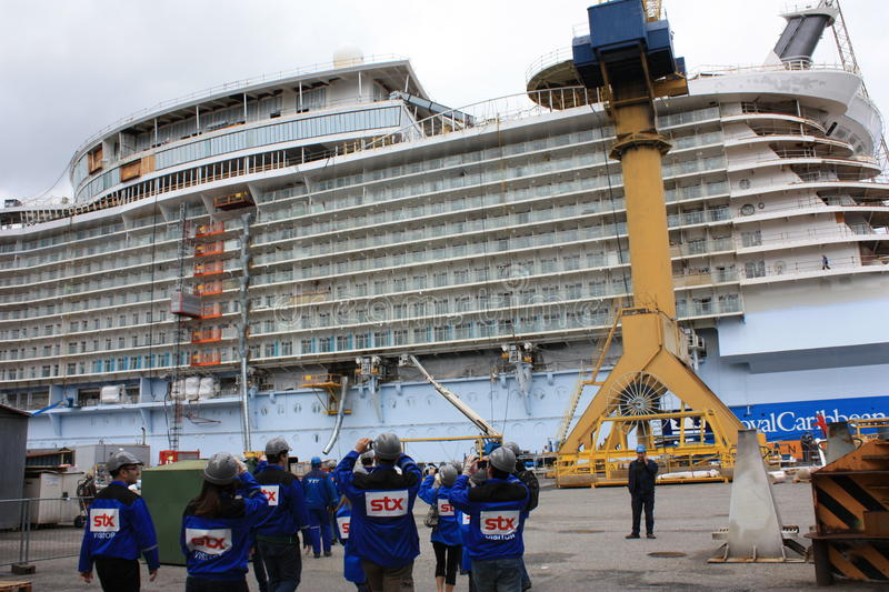 Download Oasis Of The Seas Construction Editorial Photo - Image: 30538651
